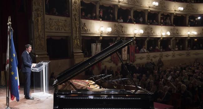 Intervento Renzi al Teatro della Pergola