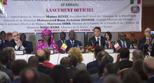 """Renzi partecipa al Seminario del """"Programme d'Appui au Développement Economique et Social""""."""