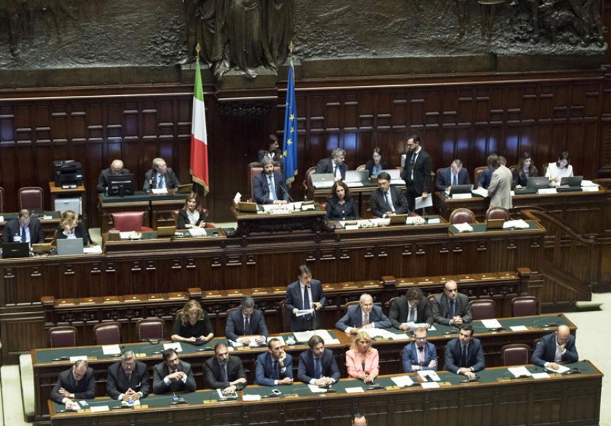 Organizzazione Interna Della Camera : Le comunicazioni del presidente conte al senato e alla camera