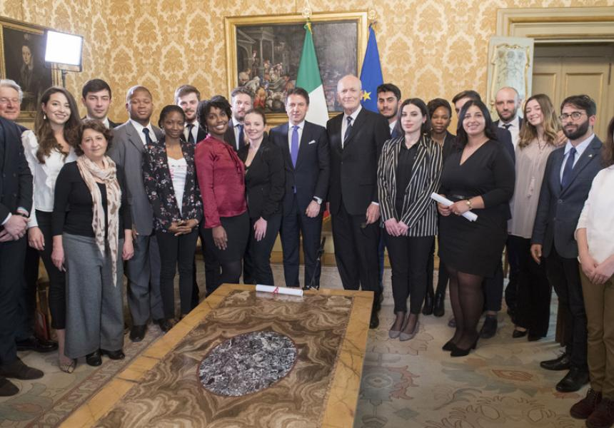 Prime Minister Conte meets with the young people from Rondine Cittadella della Pace - M5S notizie m5stelle.com