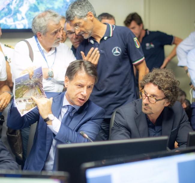 Genova, il Presidente Conte con il Ministro delle Infrastrutture e dei Trasporti, Toninelli, in Prefettura