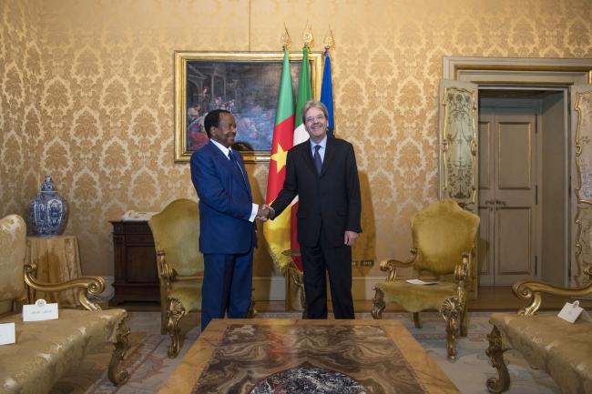 Gentiloni incontra Paul Biya