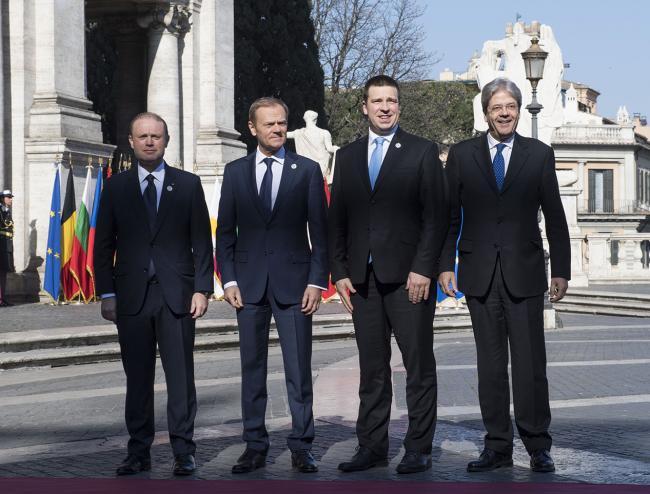 Paolo Gentiloni, Joseph Muscat, Donald Tusk, Juri Ratas, in Piazza del Campidoglio