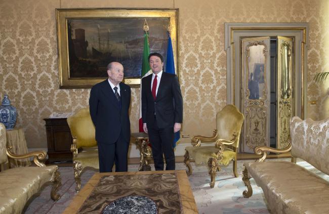 Renzi riceve a Palazzo Chigi il Presidente della Consulta Paolo Grossi