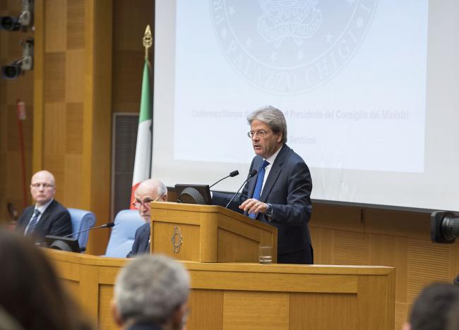 Il Presidente Gentiloni durante la conferenza stampa di fine anno