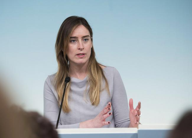 La Sottosegretaria Boschi in conferenza stampa al termine del Consiglio dei Ministri n. 23