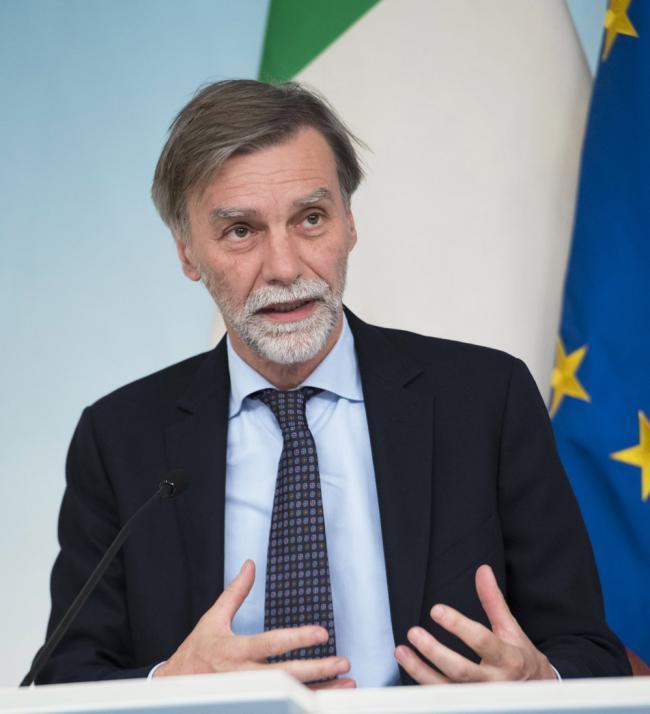 Il Ministro Delrio in conferenza stampa al termine del Consiglio dei Ministri n. 23