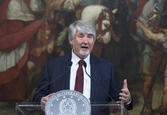 Il Ministro Poletti durante la cerimonia di firma del Memorandum d'intesa sul Reddito di inclusione