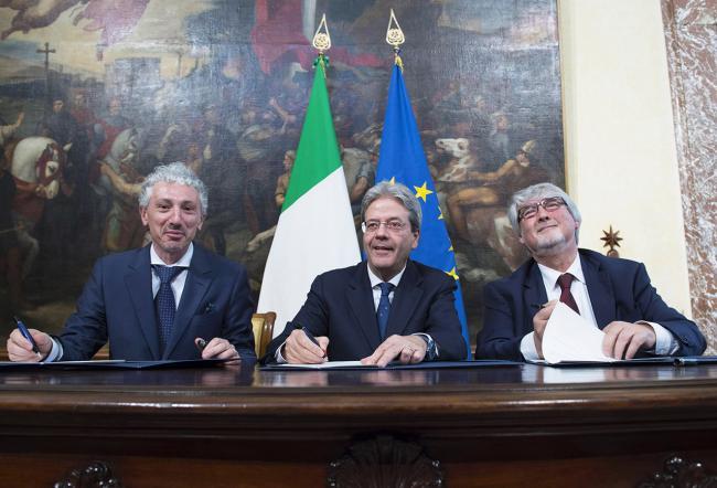 La firma del Memorandum d'intesa sul Reddito di inclusione