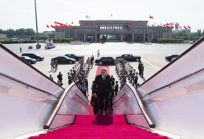 Gentiloni in partenza dalla Cina