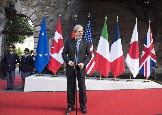 Summit G7 Taormina, il Presidente Gentiloni durante il punto stampa al termine della prima giornata di lavoro