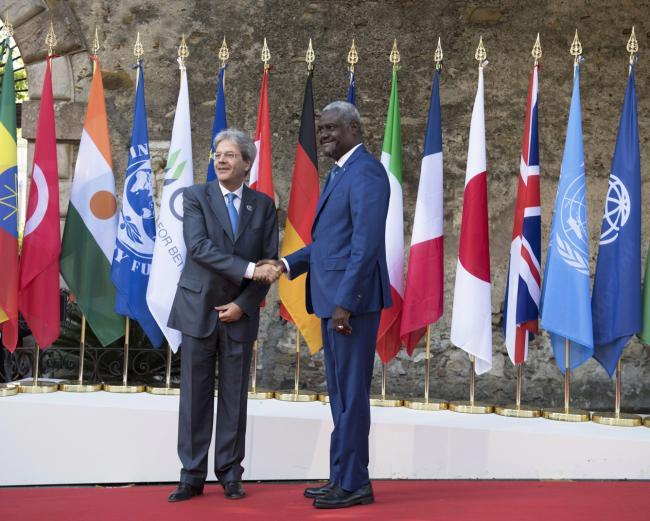 Summit G7 Taormina, Gentiloni accoglie il Presidente di turno della Commissione dell'Unione Africana