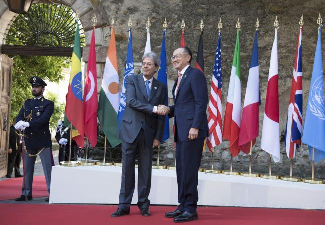 Summit G7 Taormina, Gentiloni accoglie il Presidente della Banca Mondiale