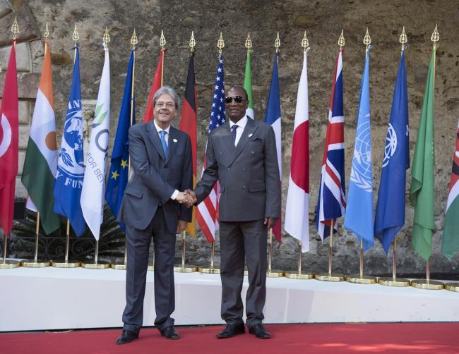Summit G7 Taormina, Gentiloni accoglie il Presidente di turno dell'Unione Africana