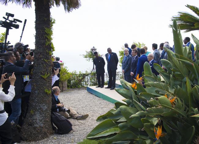 La foto di gruppo dei Leader G7