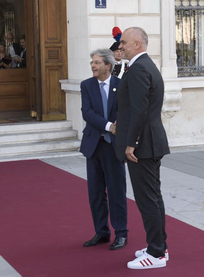 Gentiloni con il Primo Ministro dell'Albania