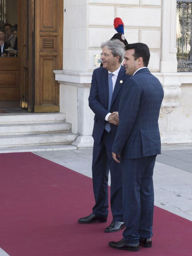 Gentiloni con il Primo Ministro della Macedonia Zoran Zaev