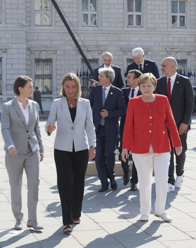 Trieste Summit, i Leader in Piazza Unità d'Italia per la foto di famiglia