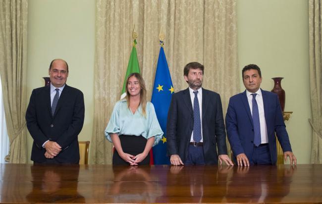 Firma del contratto istituzionale per il recupero dell'ex carcere borbonico dell'isola di S. Stefano