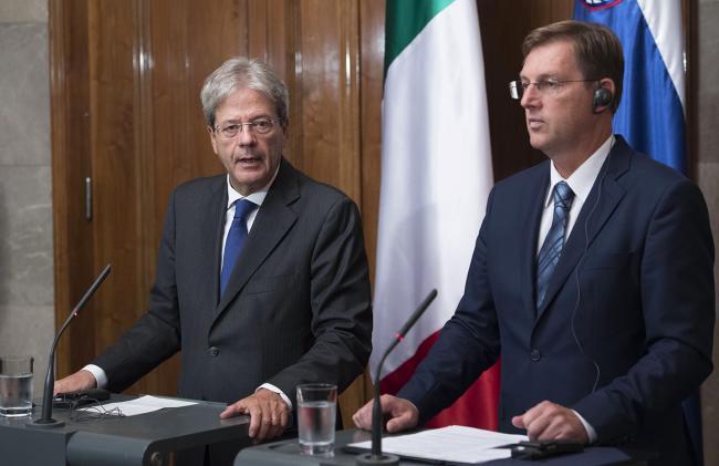 La conferenza stampa congiunta di Gentiloni e Cerar