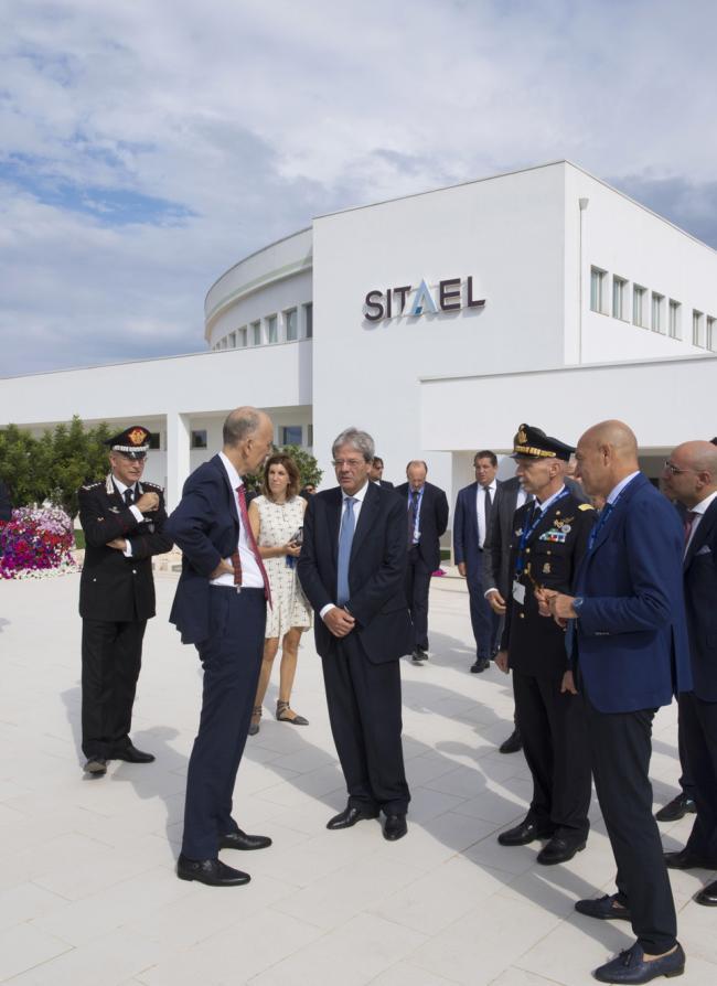 Gentiloni visita l'azienda Sitael