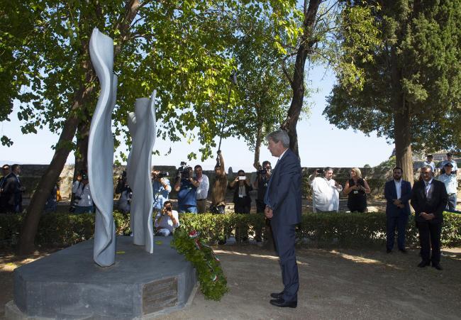 """Il Presidente Gentiloni rende omaggio al Monumento """"Dialoghi"""""""