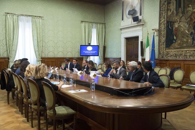 """Il Ministro Lotti e la Sottosegretaria Boschi al """"Tavolo tecnico per il fondo a sostegno della maternità delle atlete"""""""