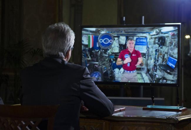Il Presidente Gentiloni in collegamento con l'astronauta Paolo Nespoli