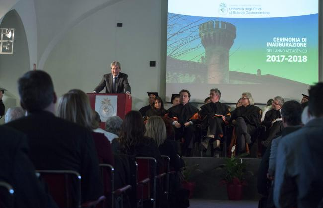 Gentiloni all'Università di Scienze Gastronomiche