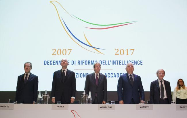 Gentiloni al Decennale di riforma dell'intelligence