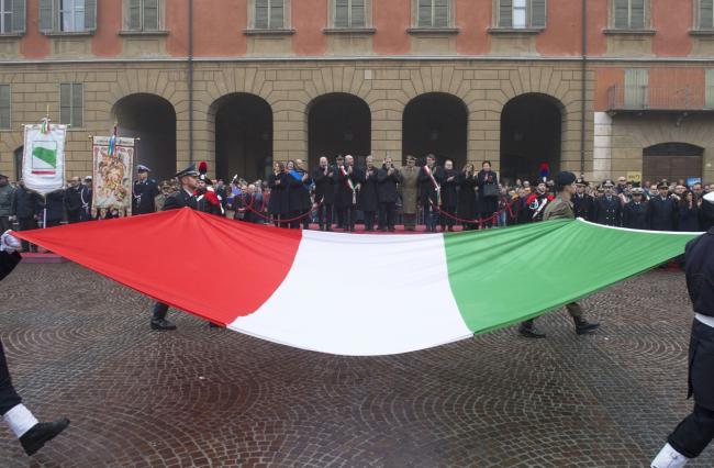 Gentiloni a Reggio Emilia per la Giornata nazionale della Bandiera