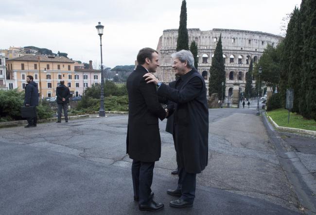 Gentiloni riceve Macron