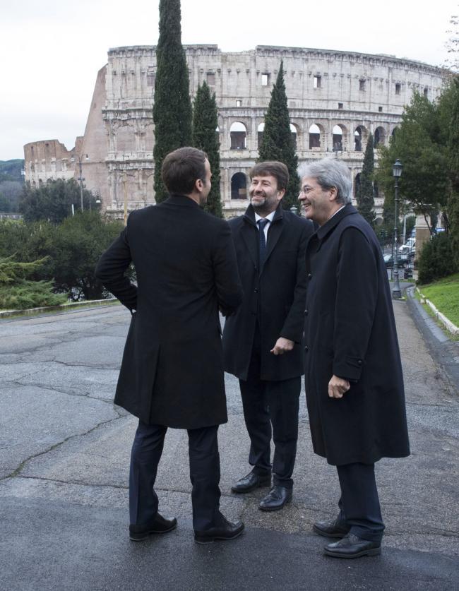 Gentiloni con Macron e Franceschini