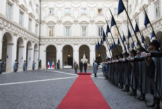 Gentiloni riceve Macron a Palazzo Chigi