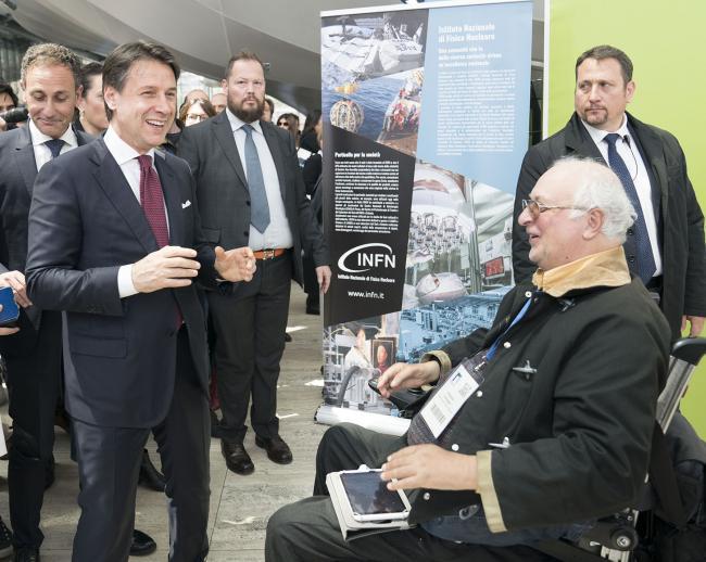 Il Presidente Conte visita gli stand al Forum PA 2019