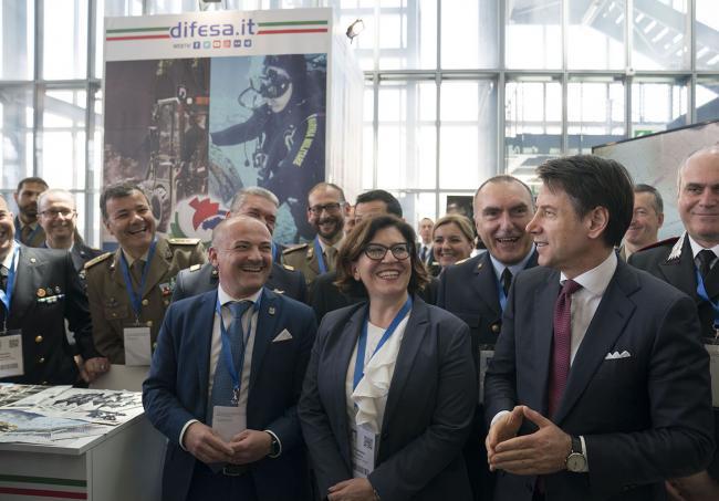 Il Presidente Conte e il Ministro Trenta visitano gli stand al Forum PA 2019