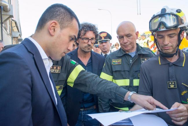 Il Vicepremier Luigi Di Maio e il Ministro delle Infrastrutture e dei Trasporti, Danilo Toninelli, a Genova