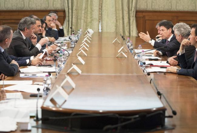 Il Presidente Conte alla riunione del Tavolo per lo sviluppo dell'area di Foggia
