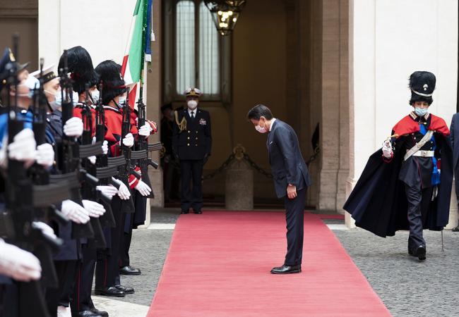 Il Presidente Conte lascia Palazzo Chigi
