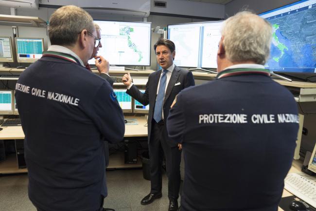 Il Presidente Conte visita la sede del Dipartimento della Protezione Civile