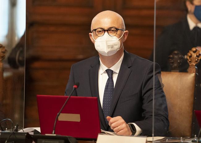 Il Ministro D'Incà durante il Consiglio dei Ministri n. 1