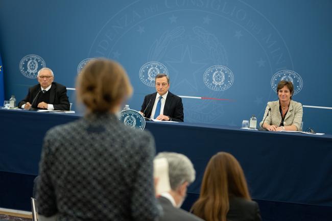 Pnrr, conferenza stampa del Presidente Draghi con i Ministri Messa e Bianchi