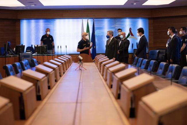 Draghi visita la sede operativa del Dipartimento della Protezione Civile