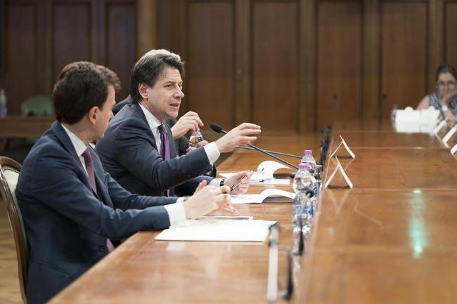 Il Presidente Conte durante la riunione del Tavolo istituzionale sul CISper il Molise