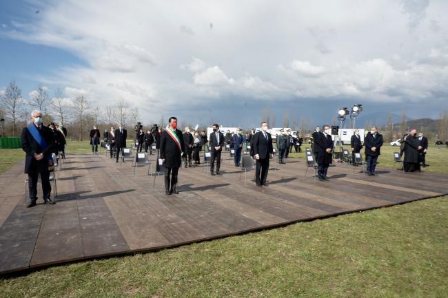 La cerimonia d'inaugurazione del Bosco della Memoria