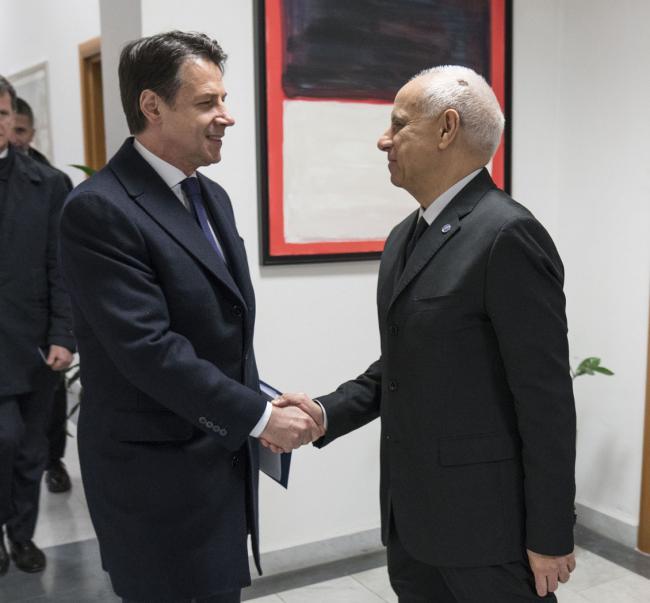 Il Presidente Conte con il Direttore Generale del Dis Vecchione
