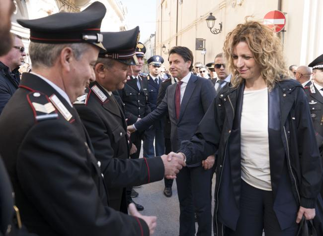 Il Presidente Conte e il Ministro Lezzi ai funerali del Maresciallo Maggiore Di Gennaro