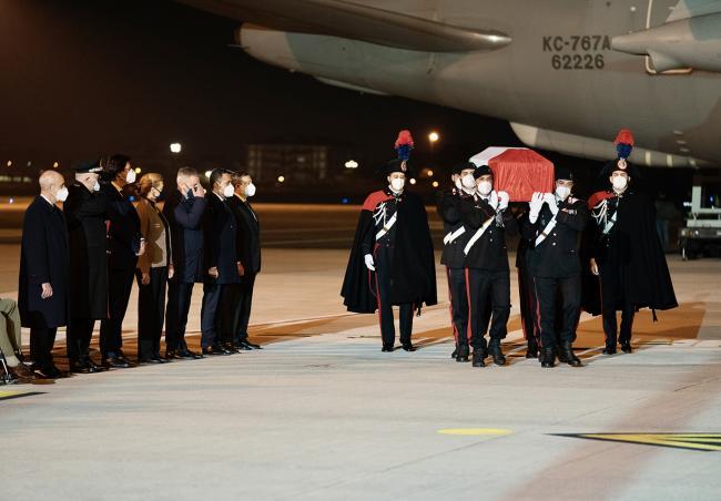 Il Presidente Draghi accoglie le salme delle vittime dell'attacco a Goma