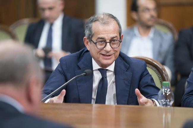 Il Ministro Tria durante l'incontro tra Governo e parti sociali su lavoro e welfare