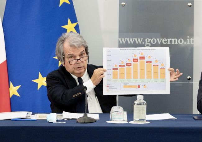 Il Ministro per la Pubblica Amministrazione Renato Brunetta in conferenza stampa